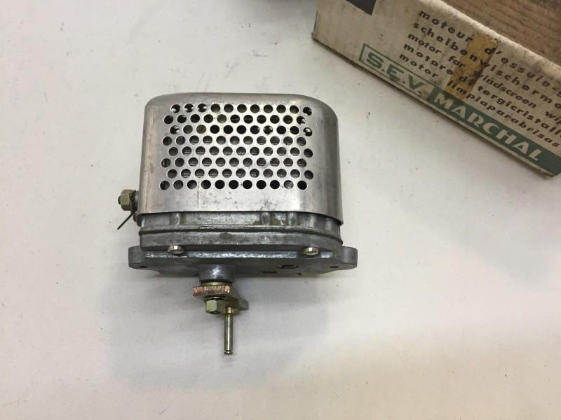 H561-2a  Windscreenwiper motor NOS, 6 volt, Citroen HY