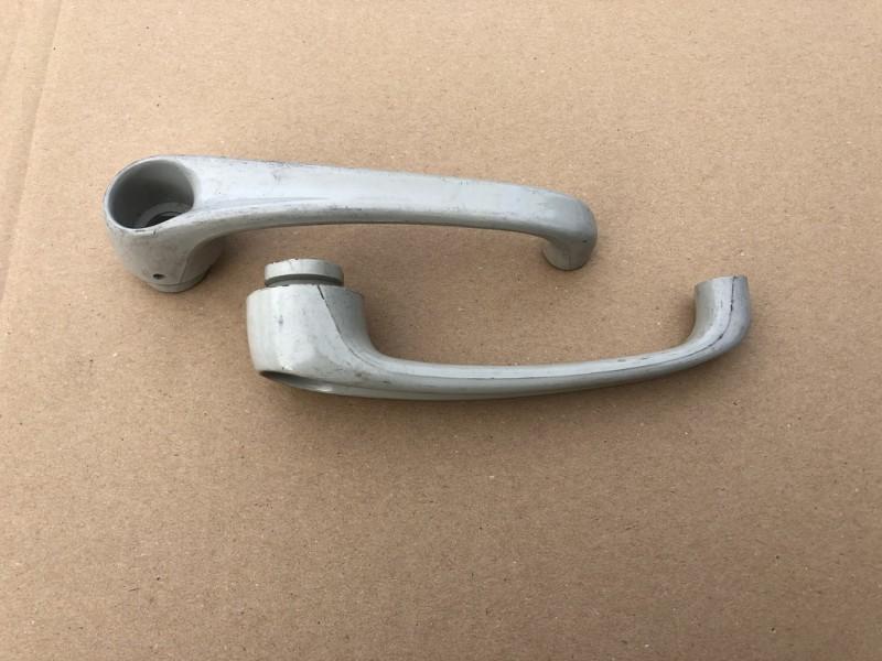 DM861-24  Deurgreep 2 pc kunststof, BNL deur, citroen HY, NOS